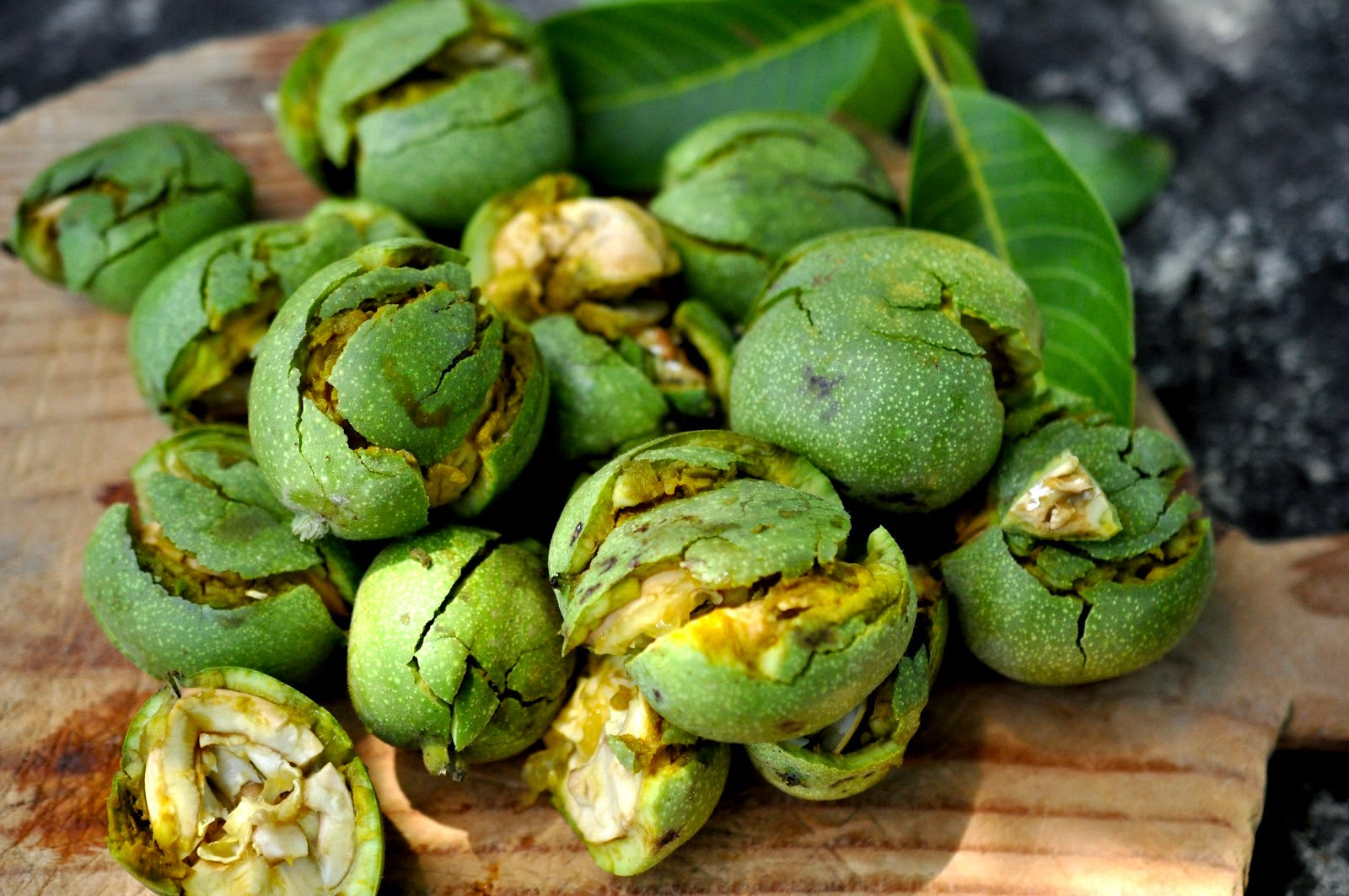 """Résultat de recherche d'images pour """"noix vertes"""""""